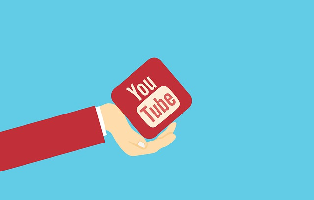 Youtube v ruce