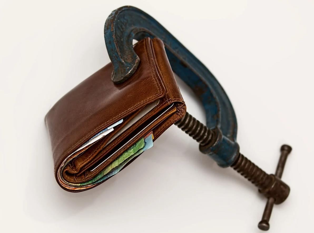 peněženka a svěrač
